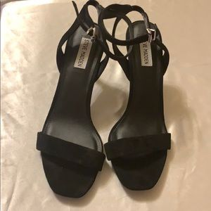 Like new! Steve Madden heels